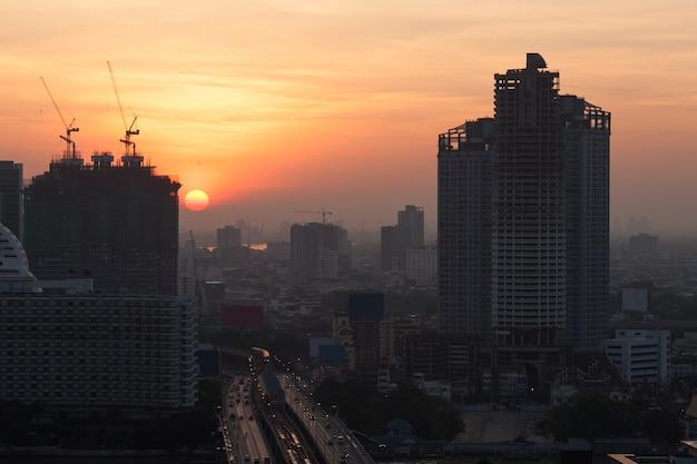 Mattina che viene alla città di bangkok, tailandia