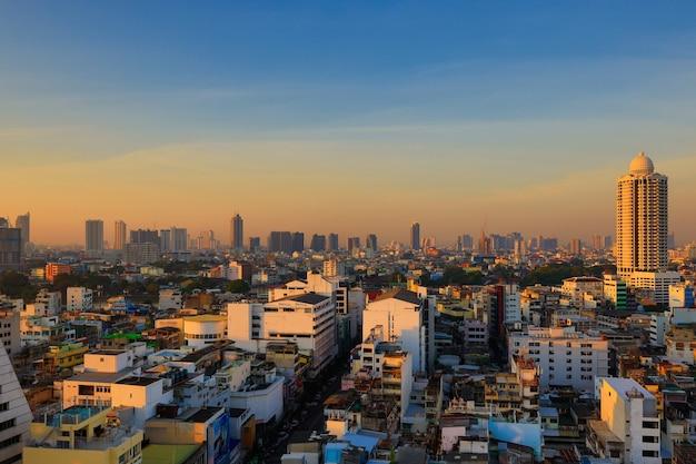 Area del centro storico di tempo di mattina a bangkok