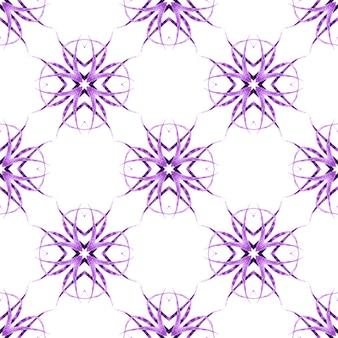 Reticolo senza giunte del mosaico. viola maestoso design estivo boho chic. stampa attraente pronta per tessuti, tessuto per costumi da bagno, carta da parati, involucro. bordo senza giunte del mosaico verde disegnato a mano.