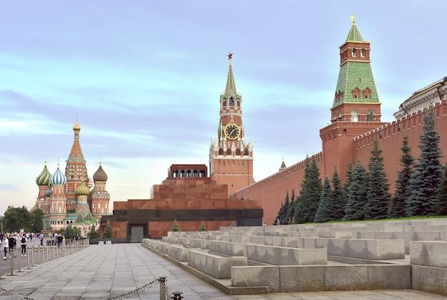 Moscarussia09012020 piazza rossa e torre spasskaya del cremlino di mosca