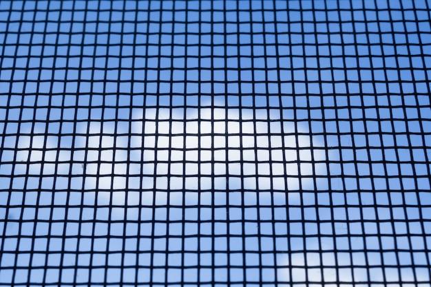 Primo piano dello schermo del filo della finestra della zanzariera