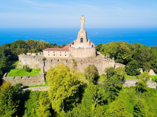 Castello di mota o castillo de la mota o motako gaztelua sul monte urgull a san sebastian o città di donostia in spagna
