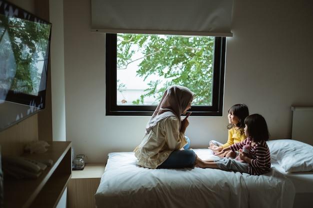 Madre narrazione a sua figlia