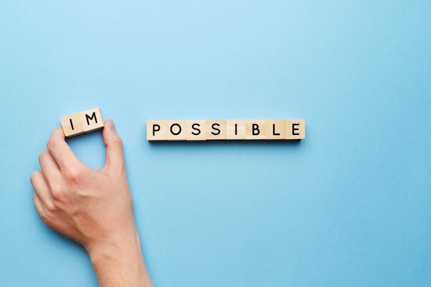 Concetto motivazionale per risolvere compiti impossibili