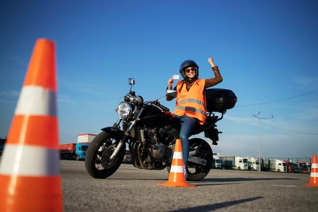 Scuola guida per motociclisti.
