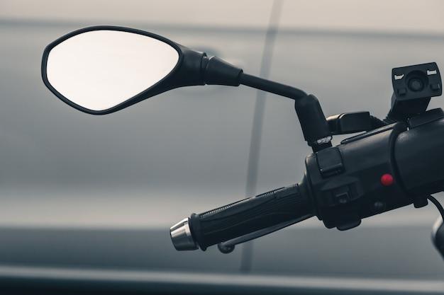 Manubrio moto, specchietto retrovisore