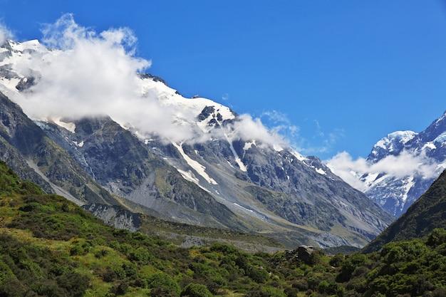 La montagna nella valle di hooker, in nuova zelanda