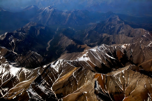 Mountain view dall'aeroplano, rockie mountain nel canada