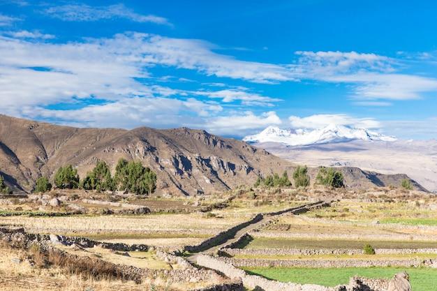 Paesaggio delle montagne in perù