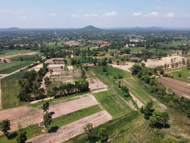 Terreni agricoli in montagna nelle zone rurali della thailandia, fotografia paesaggistica, fotografia con drone