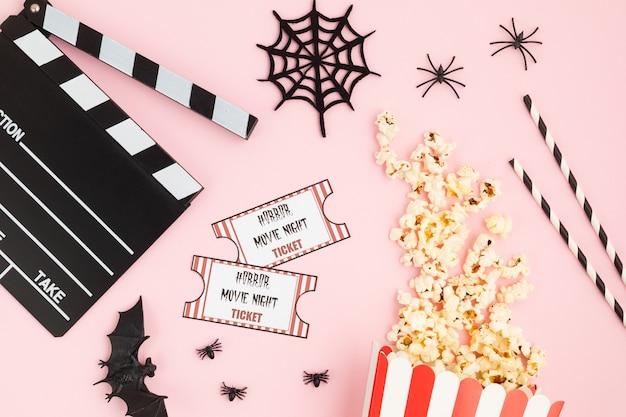 Ciak di film e decorazioni di halloween