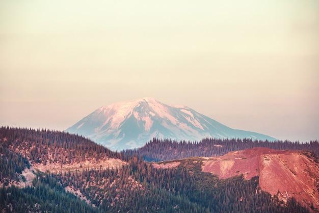 Mt. adams nello stato di washington, usa