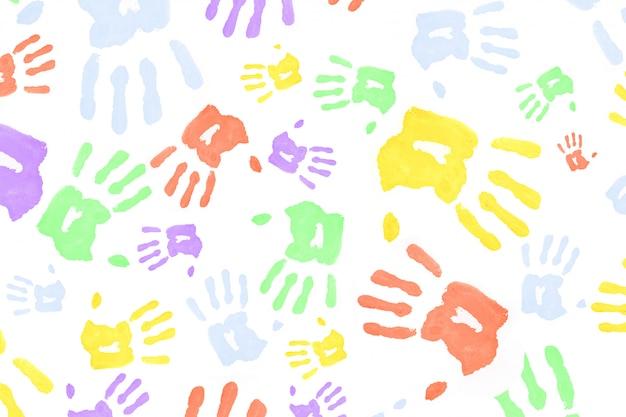 Impronte di mani colorate multi