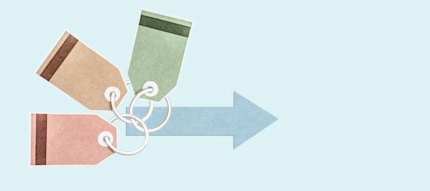 Etichette e adesivi multicolori per merci su un anello di metallo con una freccia. delicato sfondo blu. concetto per la pubblicità e la vendita di beni e servizi. formato striscione. copia spazio.