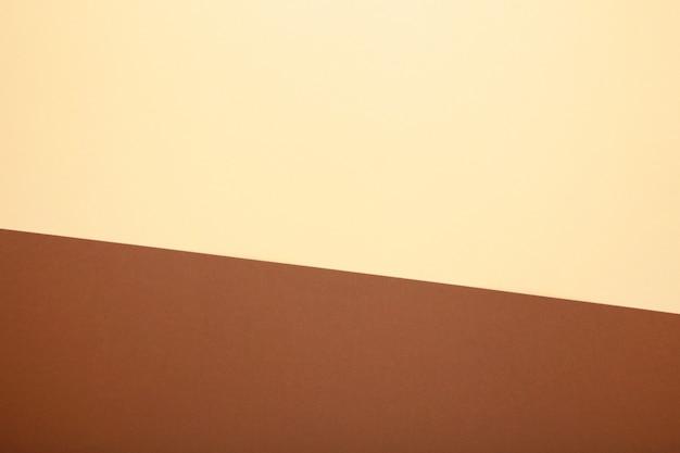 Multicolore da una carta di colori marrone e beige