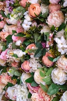 Bellissimi fiori artificiali multicolori