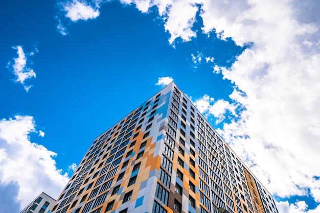 Edificio residenziale moderno multipiano