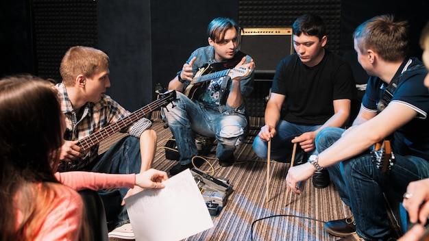 Musicisti che parlano della parte del batterista in studio