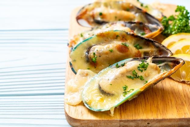 Cozze al forno con formaggio