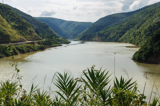 Nam na river il fiume di montagna lai chau provincia vietnam
