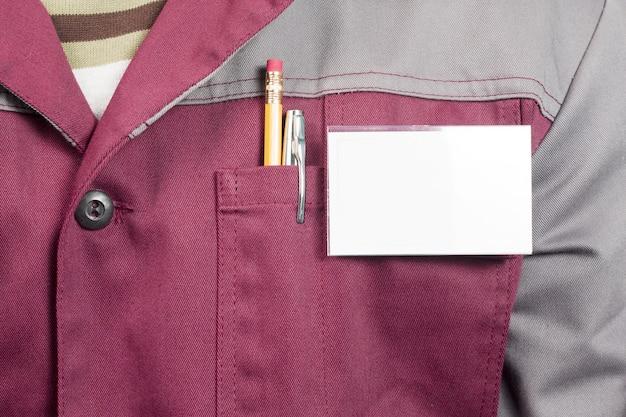 Targhetta con il nome sull'uniforme