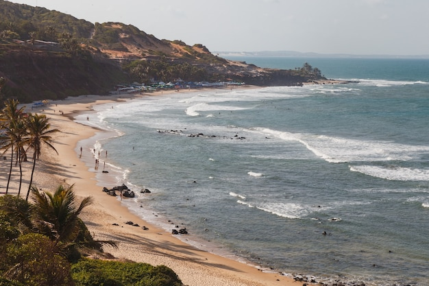 Natal, rio grande do norte, brasile - 12 marzo 2021: praia da pipa a rio grande do norte