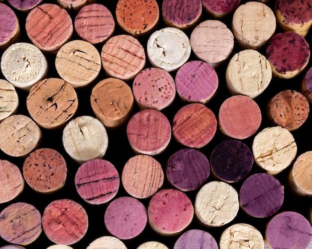 Sfondo naturale di spine di legno in diverse tonalità e colori.
