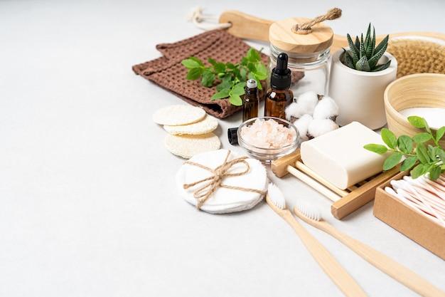 Spazzolino da denti in bambù naturale per il bagno e la casa