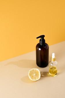 Prodotti di bellezza naturali olio organico minerale eco crema cosmetica siero cura della pelle flacone vuoto contagocce pipetta cosmetica oleosa in vetro