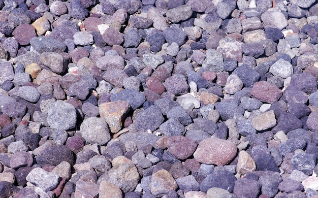 Colori naturali delle rocce vulcaniche del monte merapi a yogyakarta, indonesia.