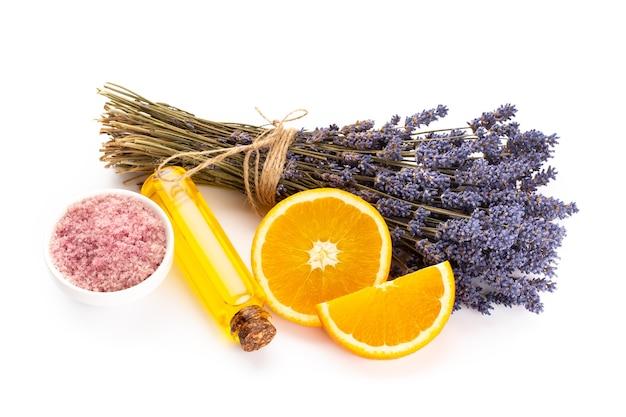 Cosmetici naturali con lavanda e arancia, limone