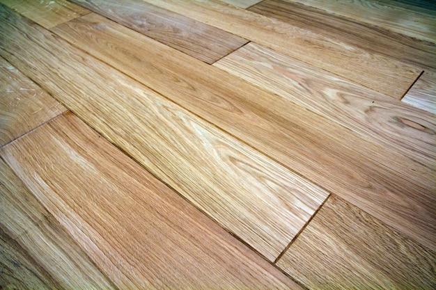 Parquet in legno marrone chiaro naturale