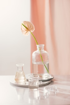 Estrazione biologica naturale, soluzione di essenza aromatica di fiori in laboratorio