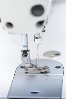 Piedino ad ago con filo di macchina da cucire industriale