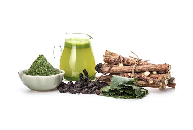 Neem o azadirachta indica, semi essiccati, legni, foglie verdi ed estratti isolati.