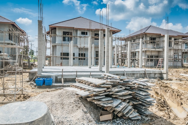 Nuova costruzione della casa in cantiere
