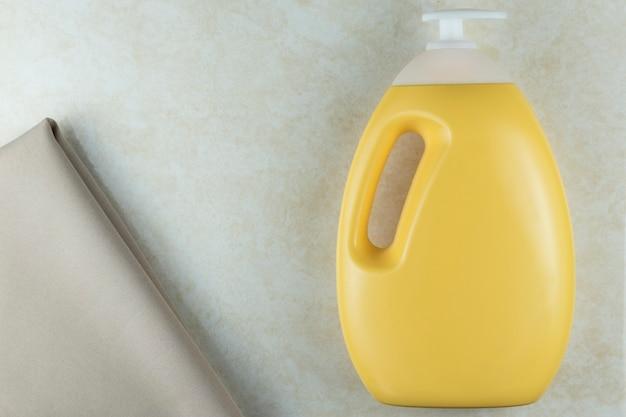 Nuovi articoli da toeletta della realtà per mantenere le mani pulite