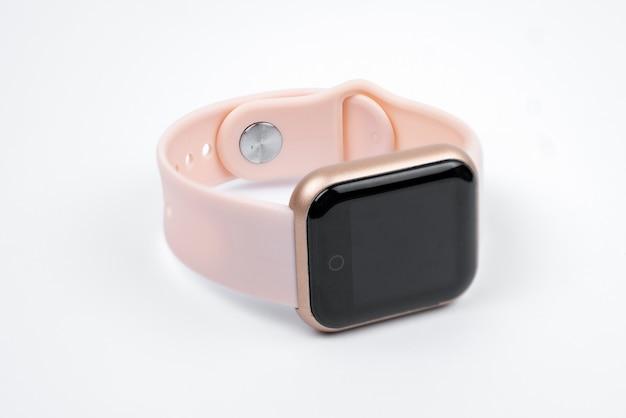 Nuovo braccialetto fitness intelligente con schermo nero vuoto