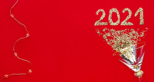 Sfondo di nuovo anno 2021 con decorazioni di scintillii