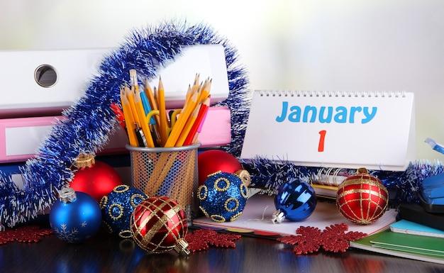 Primo piano della festa di capodanno in ufficio at