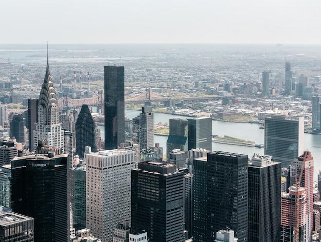 Vista di occhio di uccelli di paesaggio urbano di new york