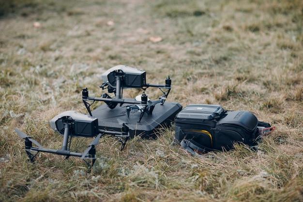 New york, usa - 18 settembre 2021: dji inspire 2 drone quadricottero prima del volo aereo e delle riprese.
