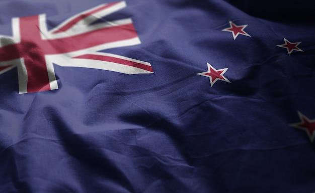 Fine della bandiera della nuova zelanda rumpled in su
