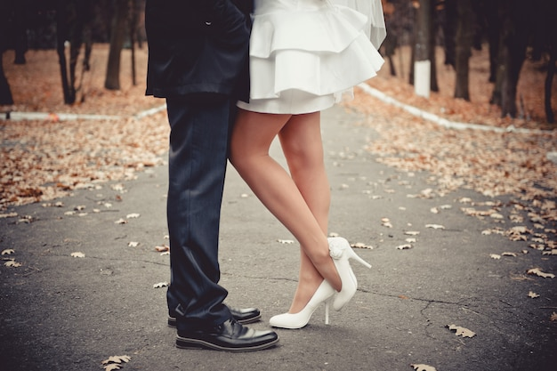 Novelli sposi. lui e lei. nozze.