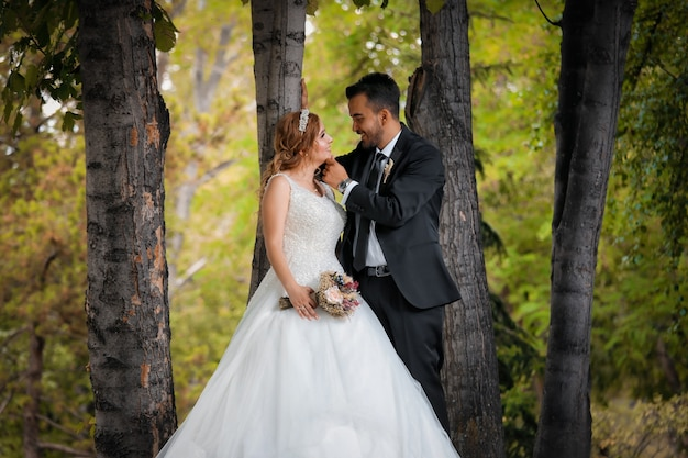 Sposini che si guardano