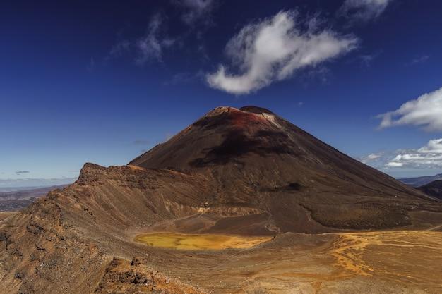 Vulcano ngauruhoe. parco nazionale di tongariro