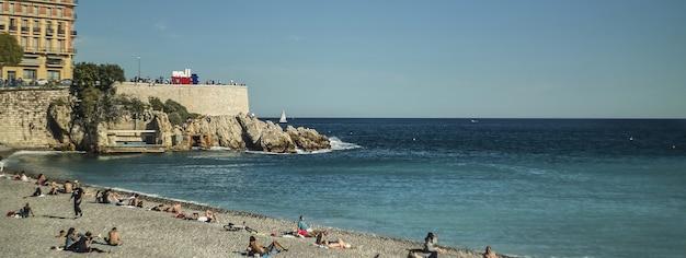 Bel dettaglio della spiaggia, immagine banner con spazio di copia
