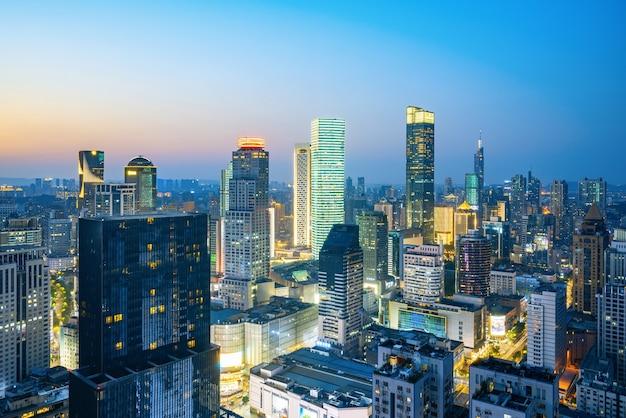 Paesaggio della città di vista di notte nanjing, cina