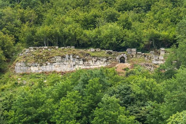 Nokalakevi - fortezza nella parte occidentale della georgia, il luogo della leggendaria città di aia