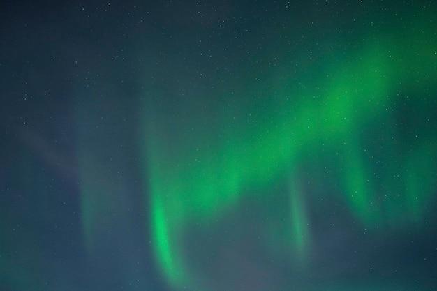 L'aurora boreale sull'isola di lofoten in norvegia